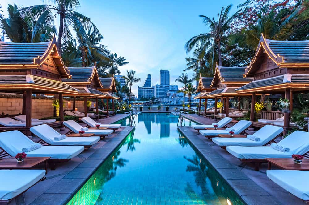 The Luxe Voyager Luxury Travel Luxury Vacations Holidays The Peninsula Swimming Pool