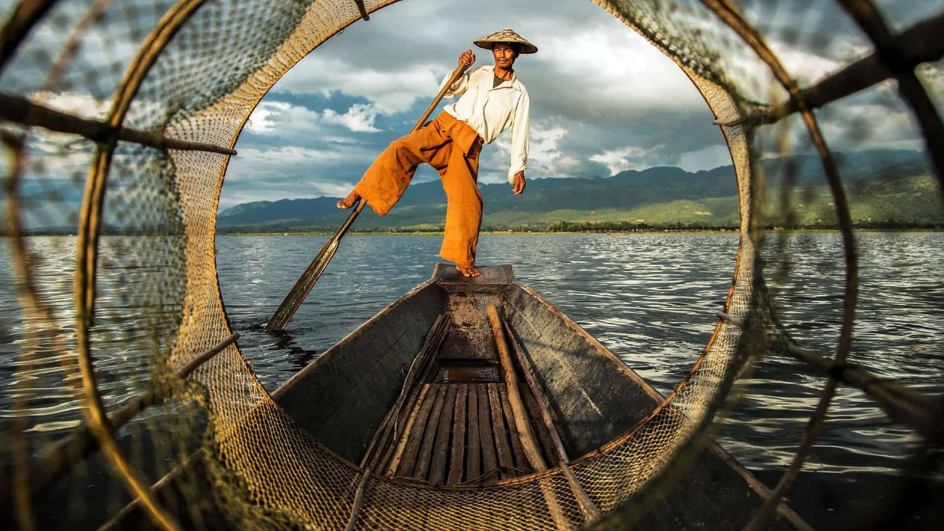 One leg rowing fisherman at Inle Lake