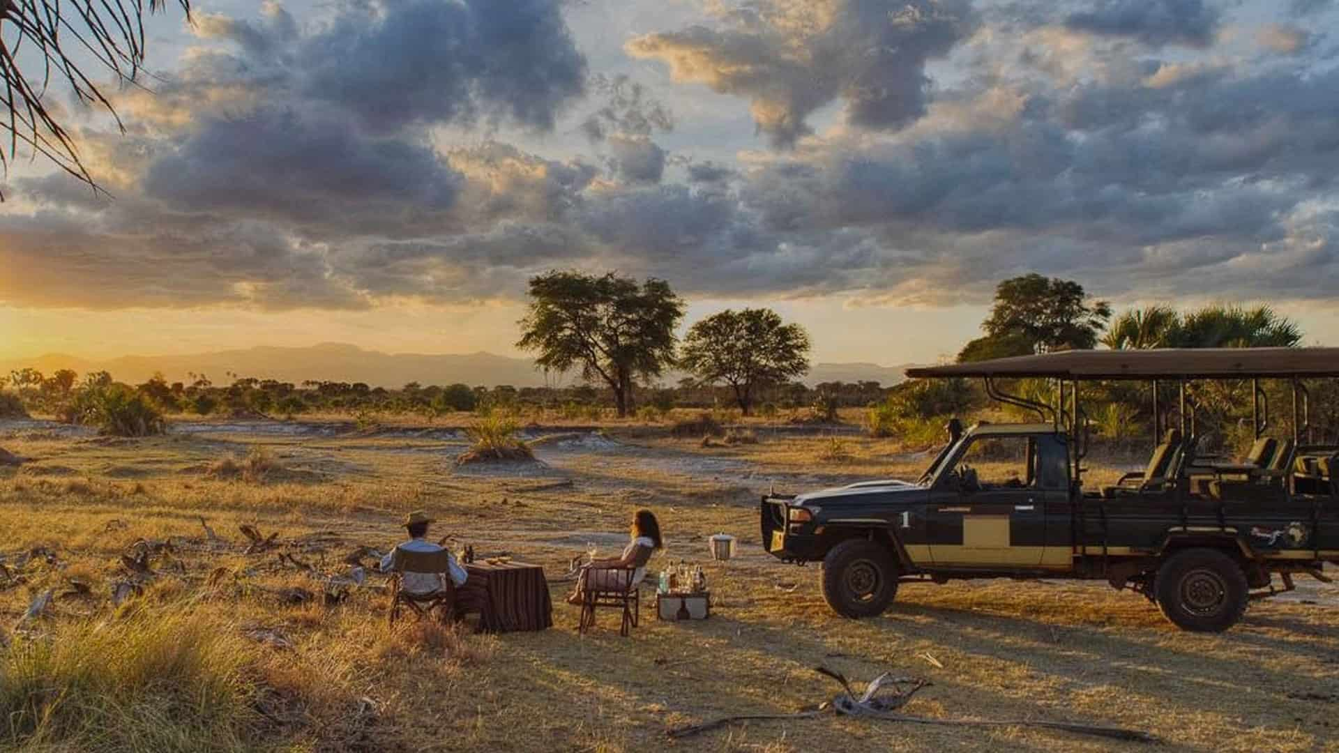 Sunset dinner in the Kenyan bush