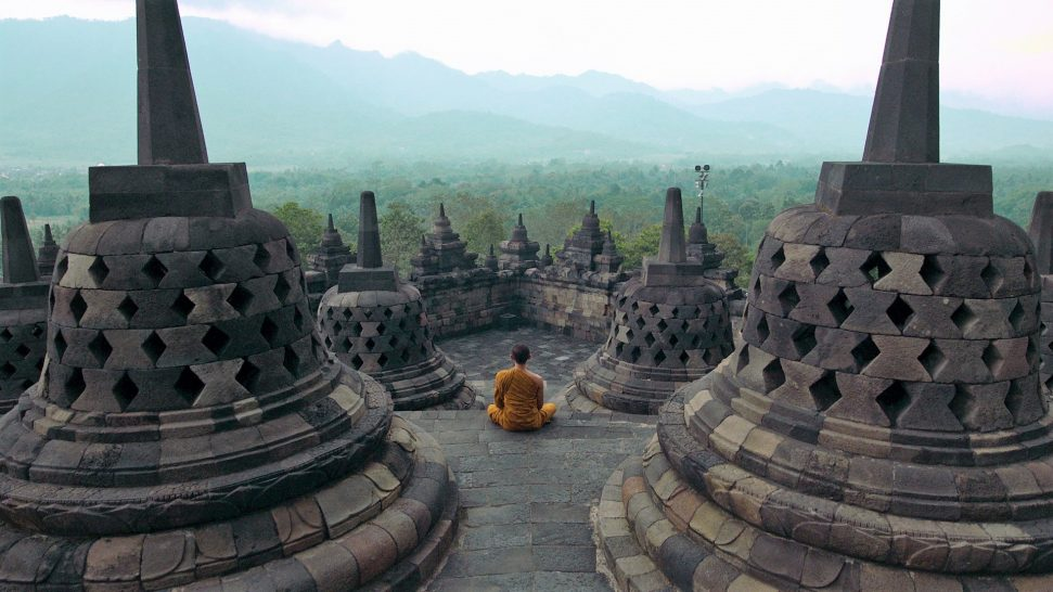 Amanjiwo temples and meditation
