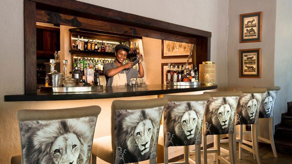 AndBeyond Ngala Safari Lodge bar