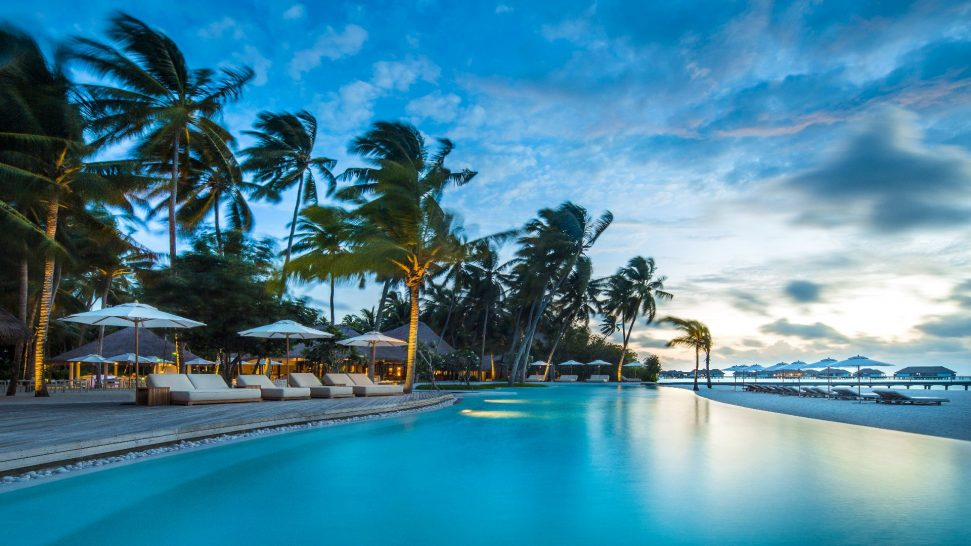 COMO Maalifushi Maldives pool