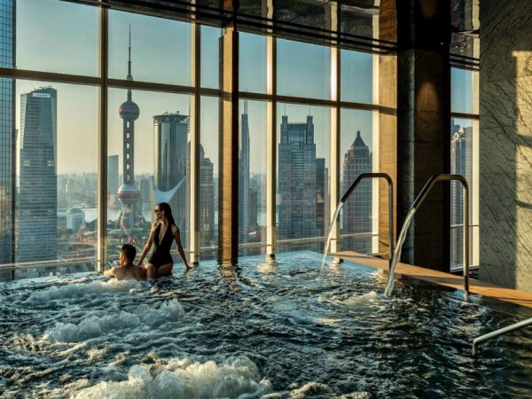Four Seasons Hotel Shanghai at Pudong jacussi pool
