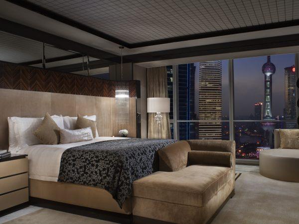 Four Seasons Hotel Shanghai at Pudong room