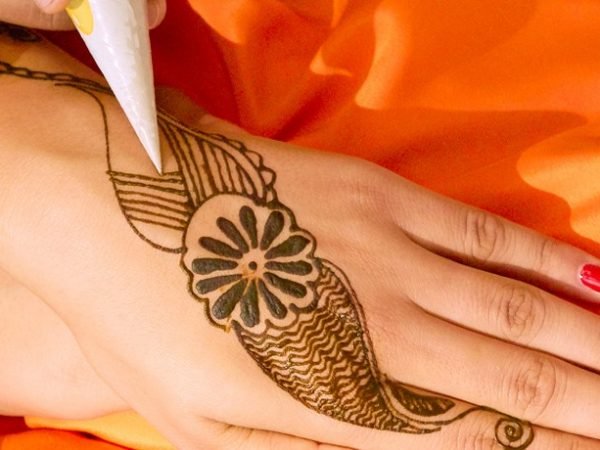 amanbagh-spa-henna-painting