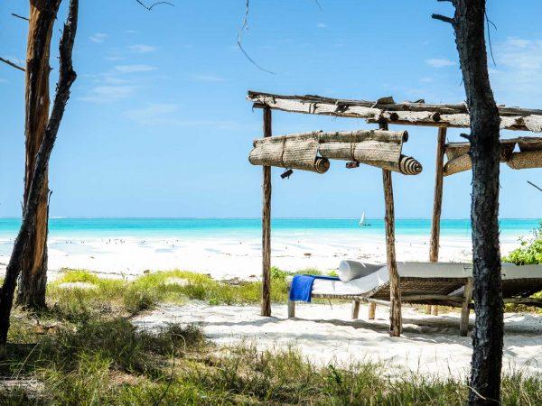 beach-loungers-on-andbeyond-mnemba-island