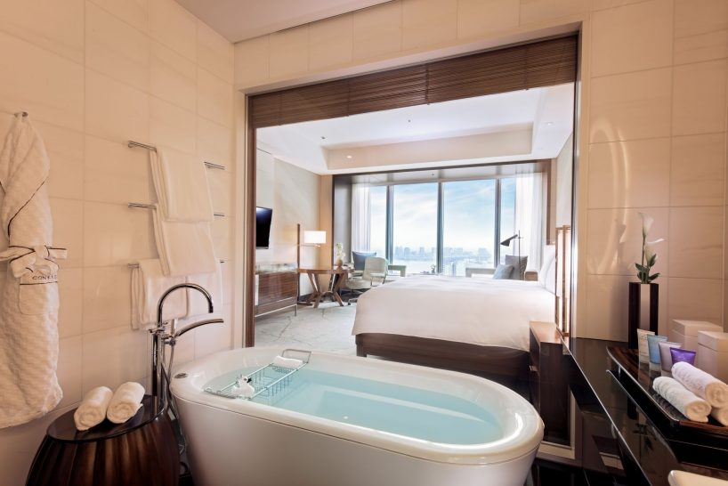 Bay View Room Bathroom
