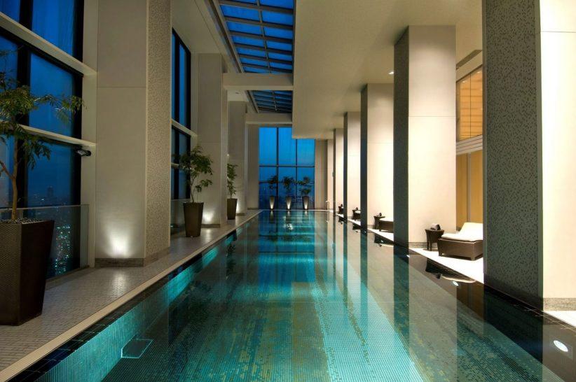 Conrad Tokyo Swimming Pool