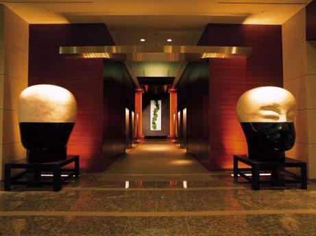 Grand Hyatt Hotel Lobby Heads