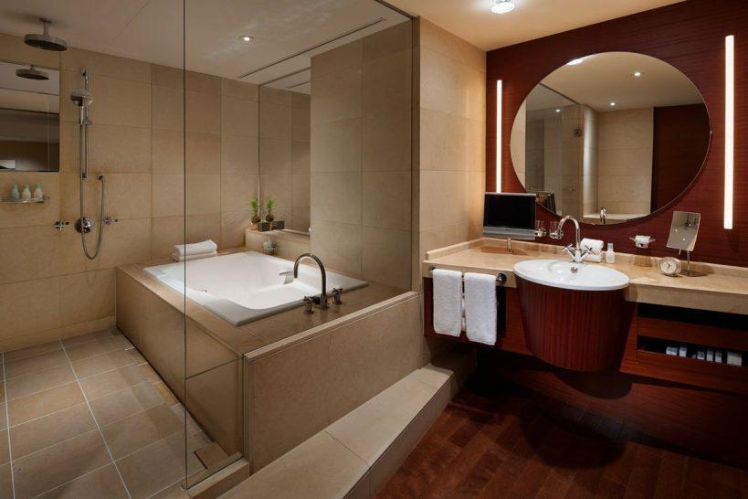 Grand Hyatt Tokyo Bathroom