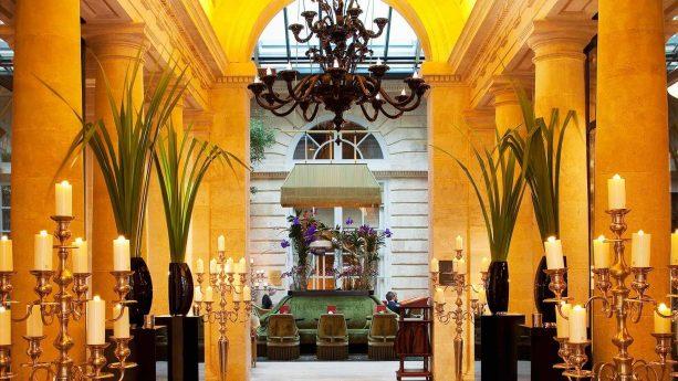 Entrance to l'Orangerie Bar