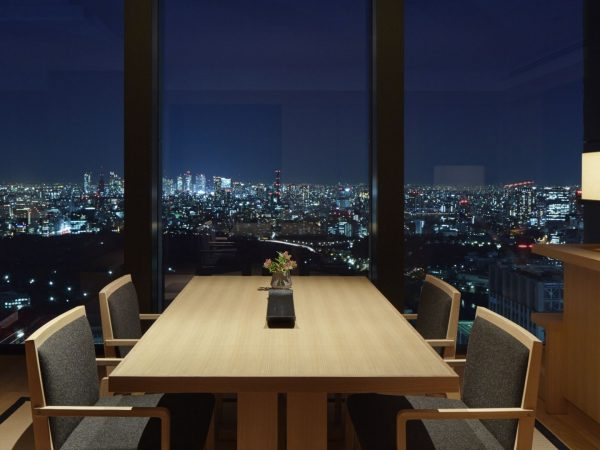 Dining with view to Tokyo skyline