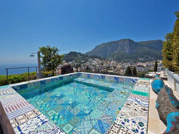 Bellevue Suite Pool
