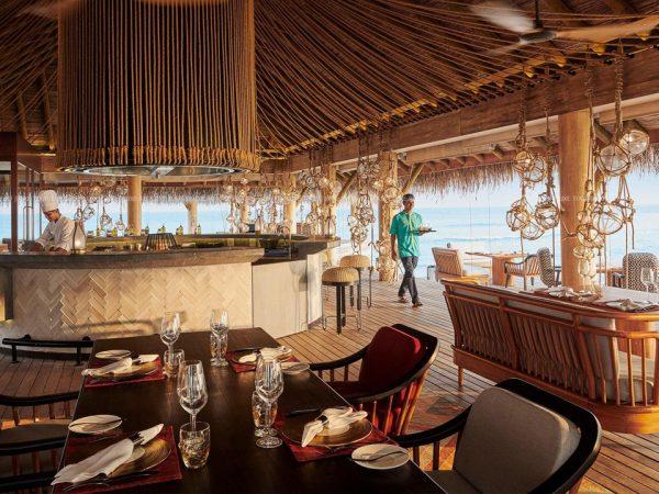 Hotel Fairmont Maldives Sirru Fen Fushi Azure Seafood Restaurant