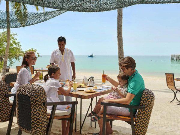 Hotel Fairmont Maldives Sirru Fen Fushi In Villa Dining