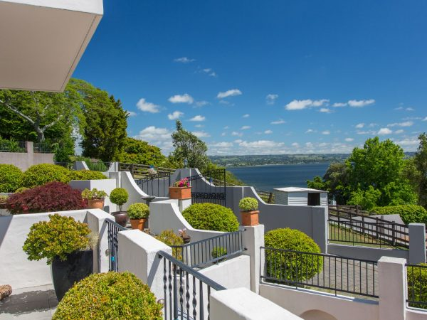 Lake Villa Apartment