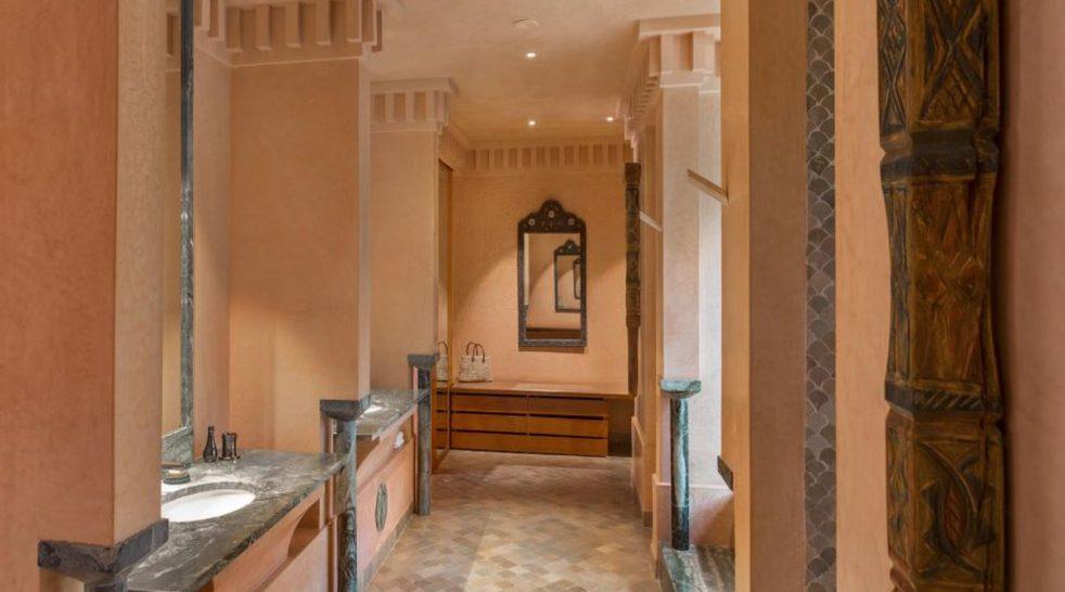 Amanjena Pavilion Piscine Bathroom