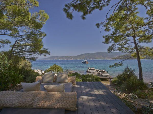 Amanruya Beach Club Lounge Terrace