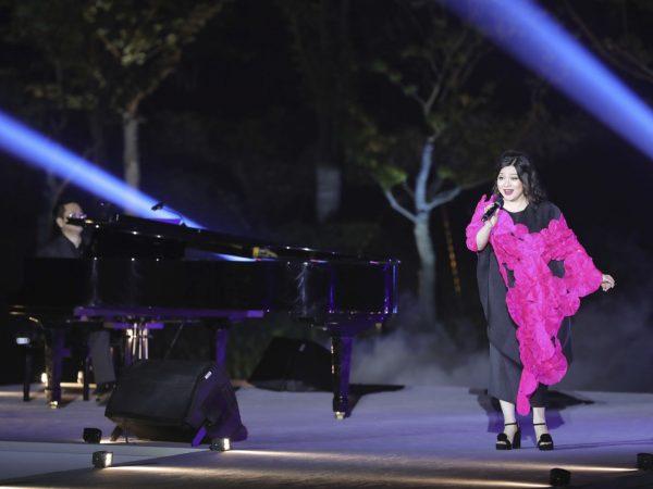 Opera singer Ms. Huang Ying (2).JPG