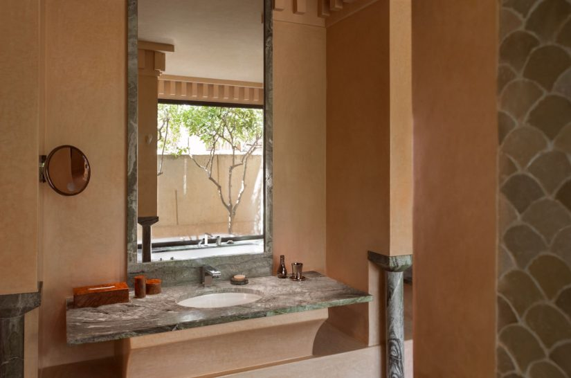 Amanjena Pavilion bathroom