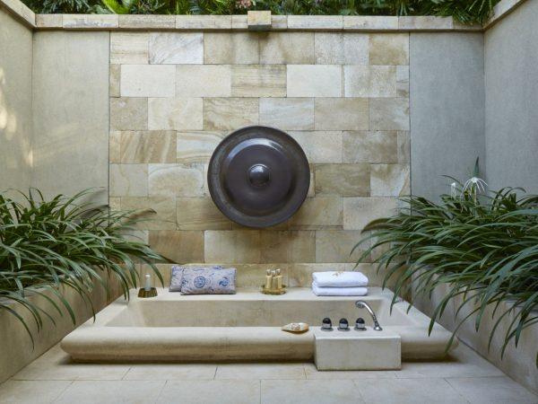 Amanjiwo Suite Outdoor Bathtub