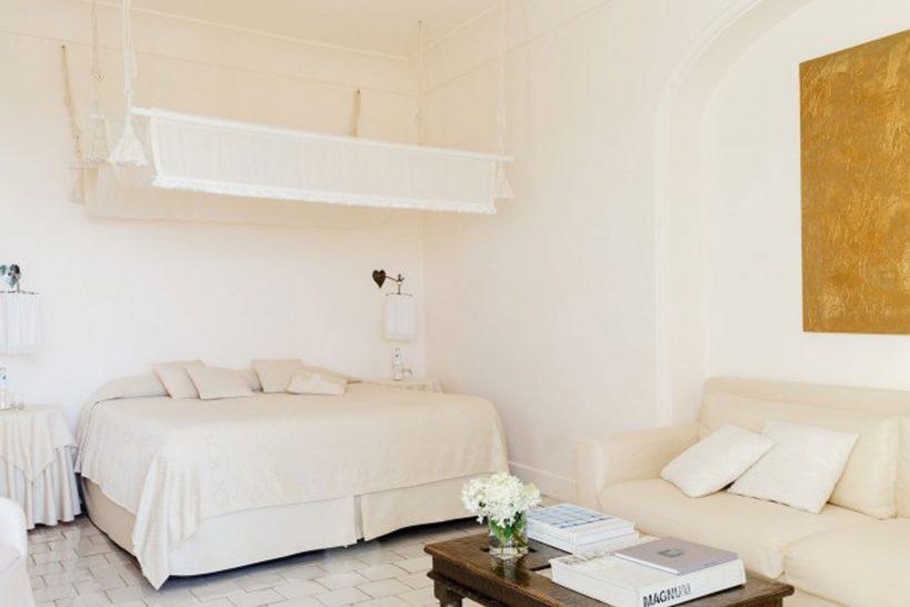 01 VS 22 Capri Room 402