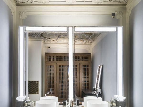 Aman Venice Alcova Tiepolo bathroom