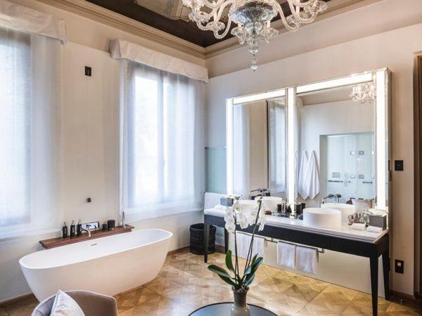 Aman Venice Papadopoli Stanza Bathroom