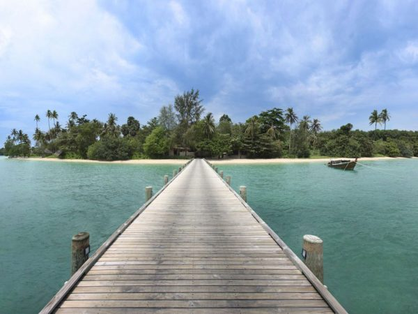 Arrival Jetty To Island