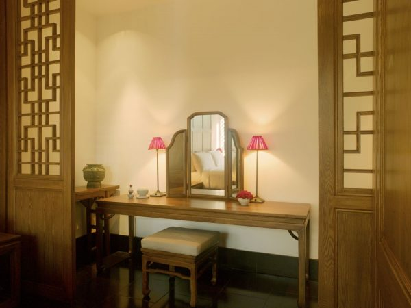 Courtyard 2 Suite Dressing Table