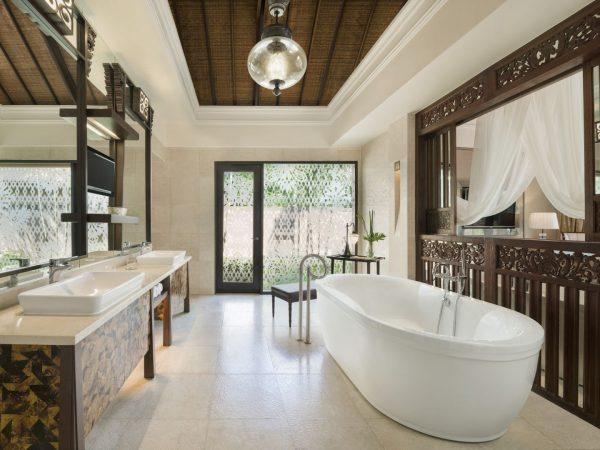 Gardenia And Lagoon Villa Bathroom