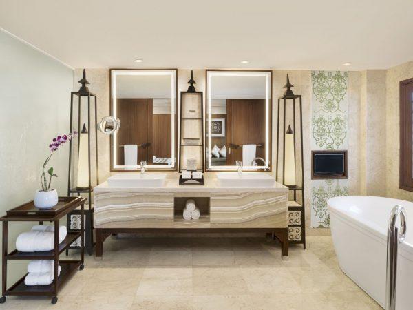 Grand Astor Suite Bathroom