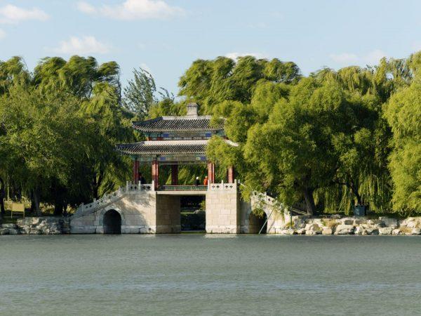 Mirror Bridge on Kunming Lake