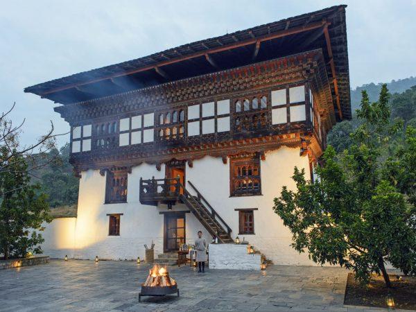 10 Punakha Lodge Courtyard Night