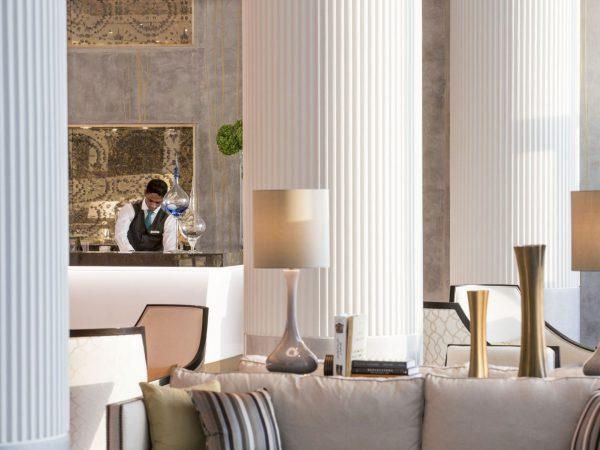 Al Meylas Lobby Lounge Service