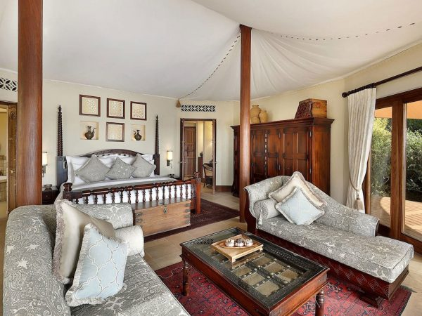 Al Maha Desert Resort and Spa Luxury Collection Bedouin Suite