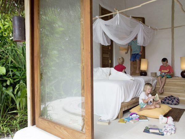 25_Soneva Fushi Family Villa Suite with pool Childern's bedroom by Antonina Gern