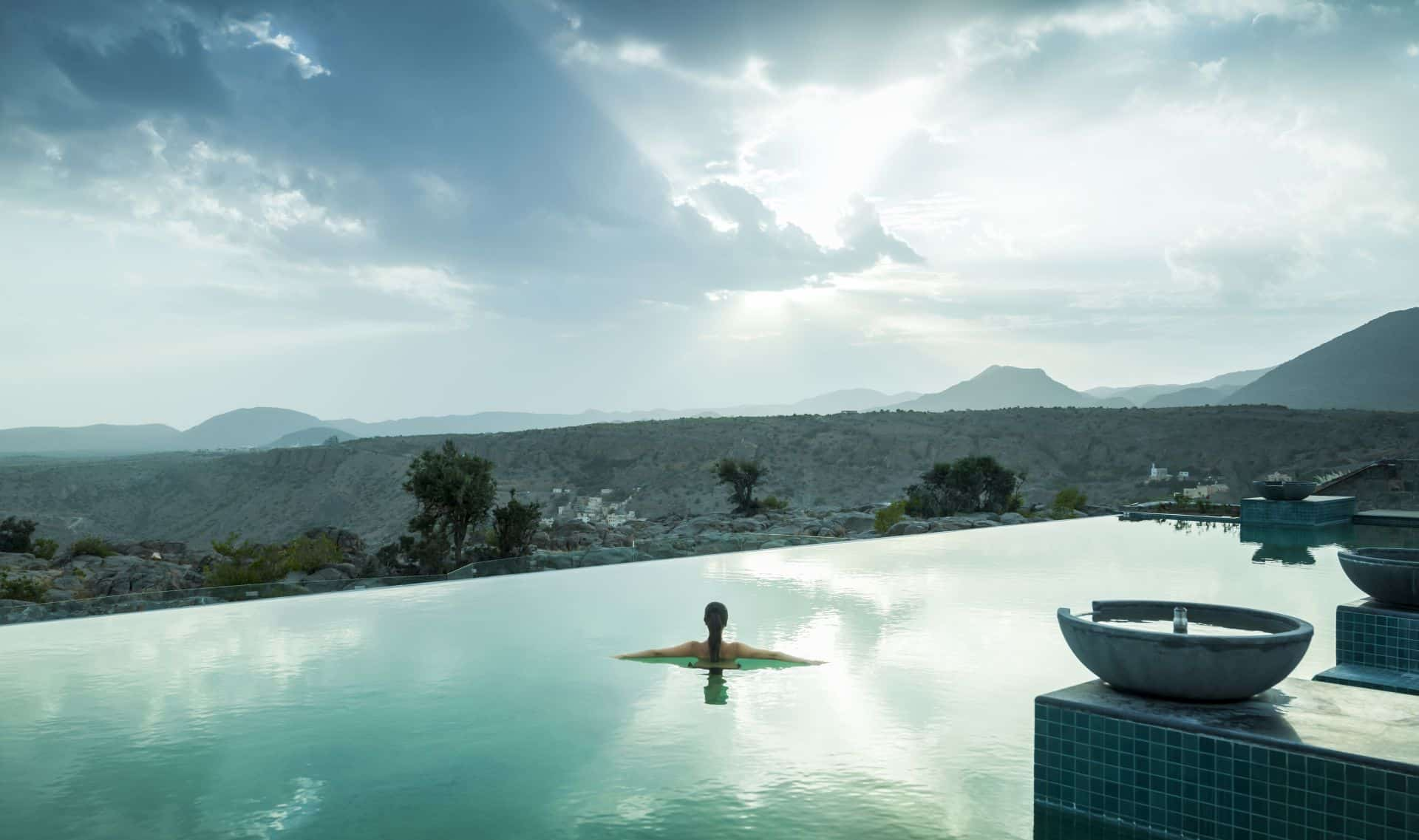 Anantara Al Jabal Al Akhdar Resort - Infinity Pool 01