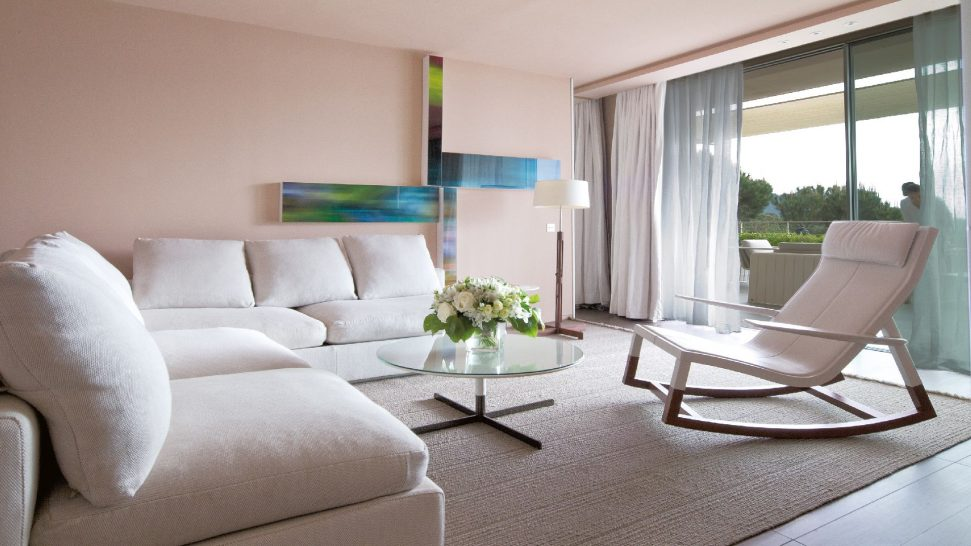 La Reserve Ramatuelle Premiere Suite living room
