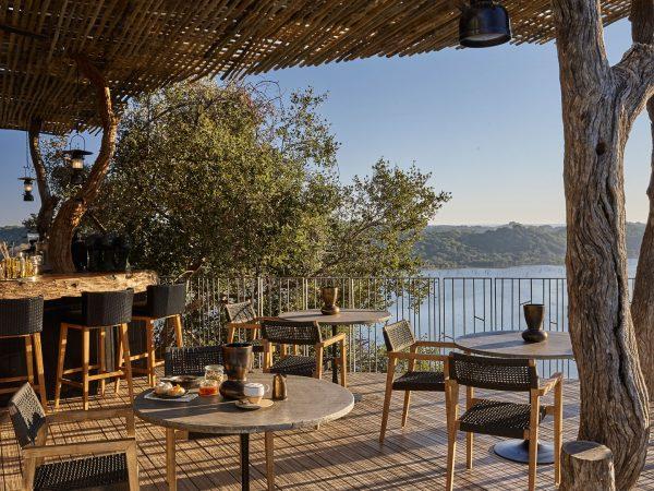 Singita-Pamushana-Lodge-Deck-and-Bar