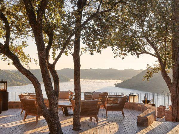 Singita-Pamushana-Lodge-Deck-in-the-afternoon.