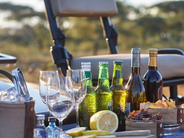 Singita-Pamushana-Lodge-Game-Drive-Sunset-Drinks