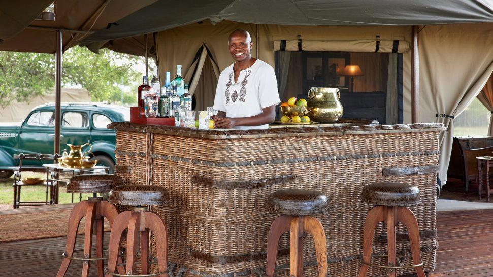 Singita-Sabora-Lodge-Bar-area