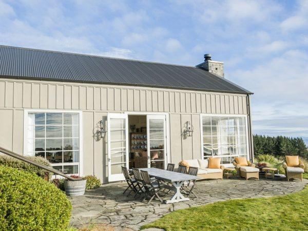 cape kidnappers owners cottage stone tarrace