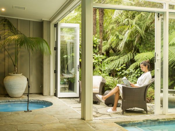 kauri cliffs spa relaxing area