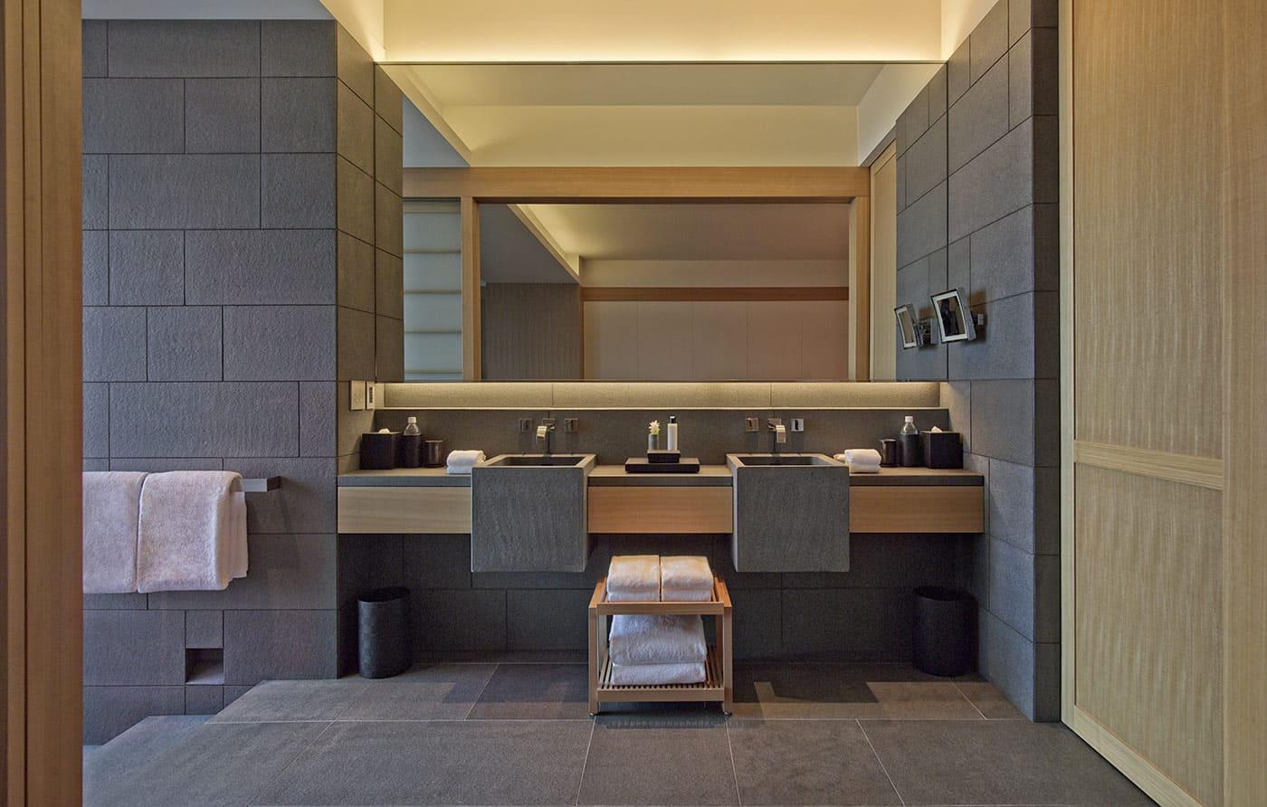 Aman Tokyo bathroom