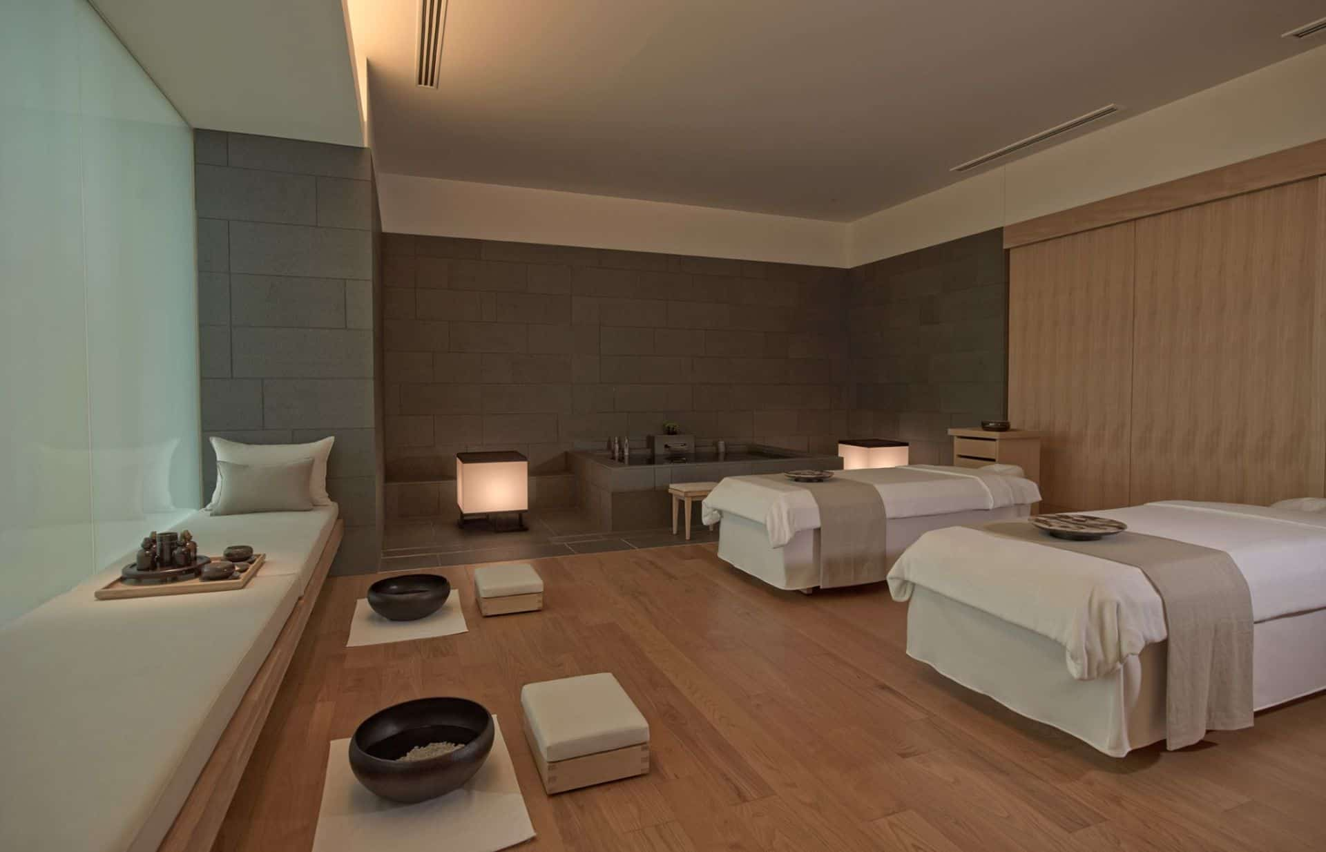 Aman Tokyo massage room