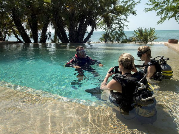 AndBeyond Benguerra Island diving lessons