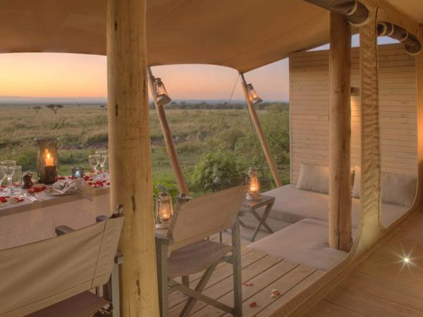 AndBeyond Kichwa Tembo Tented Camp barroom
