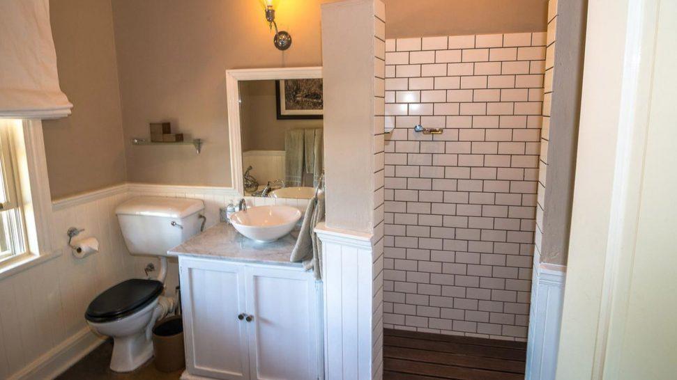 AndBeyond Kirkman's Kamp bathroom